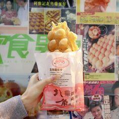 Egg waffles in Hong Kong (photo by Venus Wong)