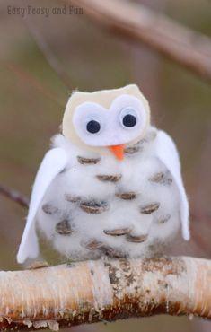 Simple Winter Owl Pinecone Craft for Kids Crafts Pinecone Winter Owls Craft - Easy Peasy and Fun Owl Crafts, Animal Crafts, Easy Crafts, Winter Crafts For Kids, Winter Fun, Craft Activities For Kids, Preschool Crafts, Toddler Crafts, Craft Ideas