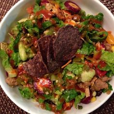 It's a Taco Salad kind of #tacotuesday! We used a little ground turkey we cooked with peppers and onions, leftover beans from black bean soup yesterday, tons of #organic #veggies and a few Beanitos chips (made in the ATX) @beanitoschips! So yum! #glutenfree #dairyfree #caseinfree #realfood