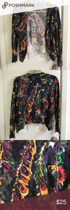 Anthropologie Charlotte cropped floral cardigan Anthropologie Charlotte cropped floral sweater, size medium. Perfect layering piece for fall and winter! Gorgeous rich colors. Great condition! Anthropologie Sweaters Cardigans