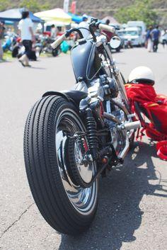 "Custom Harley-Davidson XL Sportster 1991-2003 | Early ""Ironhead"" Sportster swingarm and rear drum brake | Aftermarket rear shock absorbers | Cut-off rear fenders | Kustom Tech master cylinder |Japan | via RadJalopy.blogspot.com"