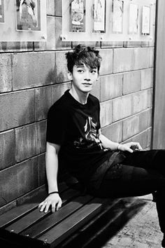 black&white Jongdae