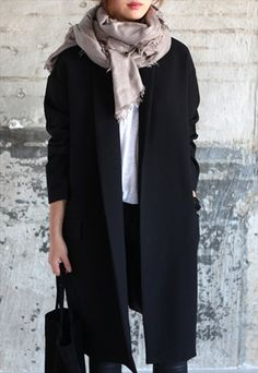 Cocoon-fit oversized jacket in black