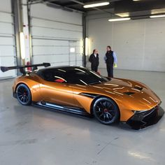 Aston Martin is known around the world as one of the premier luxury car makers. The Aston Martin Vulcan is a track-only supercar Maserati, Ferrari, Sexy Cars, Hot Cars, Bmw 507 Roadster, Mazda, Supercars, Carros Audi, Exotic Sports Cars