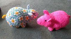 http://www.ravelry.com/patterns/library/doris-the-african-flower-piggy