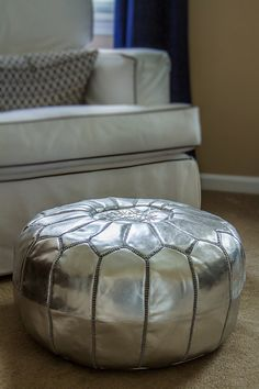 How to fill a Moroccan pouf - It's super easy to stuff a Moroccan pouf! We promise!