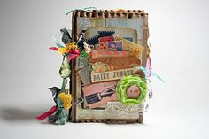 love this....for leftover embellishments and scrap paper...junque journal....