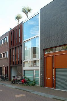 Corten detail on right: Amsterdão, Borneo Sporenburg. MVRDV, via Flickr.