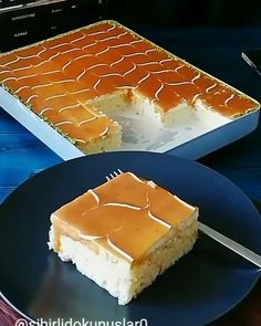 This caramel cake is made of 3 different types of milk, and is called Tres Leches in some countries! Credit: This caramel cake is made of 3 different types of milk, and is called Tres Leches in some countries! Traditional Mexican Desserts, Authentic Mexican Desserts, Chocolate Tres Leches Cake, Cake Preparation, Delicious Desserts, Dessert Recipes, Easy Vanilla Cake Recipe, Types Of Cakes, Homemade Cake Recipes