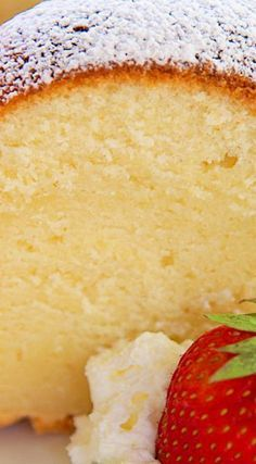 5 Flavor Pound Cake (Vanilla, Rum, Coconut, Butter, and Lemon) You may freeze in slices for a sweet treat later! Homemade Pound Cake, Homemade Cake Recipes, Pound Cake Recipes, Baking Recipes, Recipe For 5 Flavor Pound Cake, Lemon Pound Cakes, Pineapple Pound Cake, Just Desserts, Delicious Desserts