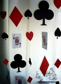 : decorate to celebrate -- challenge -- birthday (for an adult) themed party -- casino night! Las Vegas Party, Casino Night Party, Casino Theme Parties, Party Themes, 80s Party, Party Ideas, Mad Hatter Party, Mad Hatter Tea, Playing Card Crafts
