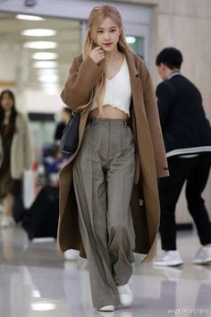 Blackpink Rose s Outfit at Incheon Airport on November 10 2019 # Kpop Fashion Outfits, Hipster Outfits, Blackpink Fashion, Korean Outfits, Cute Casual Outfits, Asian Fashion, Fashion Looks, Petite Fashion, Vintage Fashion
