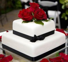 Black and white wedding cakes with red roses. Black and white wedding cakes with red roses. Cheap Wedding Cakes, 2 Tier Wedding Cakes, Red Rose Wedding, Square Wedding Cakes, Small Wedding Cakes, White Wedding Cakes, Wedding Cake Decorations, Elegant Wedding Cakes, Wedding Cake Designs