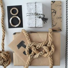 Nautical knot gift wrapping ideas for Christmas gifts, as well as little favor boxes for any occasion. Paper Packaging, Pretty Packaging, Gift Packaging, Creative Gift Wrapping, Creative Gifts, Wrapping Ideas, Wrapping Gifts, Fun Crafts, Arts And Crafts