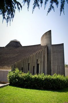 The Sacred Family Church in Salerno - Paolo Portoghesi