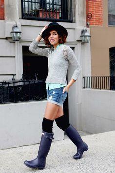 Get this look (sweater, boots, shorts, hat) http://kalei.do/WkKqXHM6ZvQdTlPr