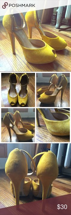 "✨ALDO Yellow Platform Peep Toe Shoes EU37 ✨ Genuine Leather Yellow Platform Ankle Strap Peep Toe Shoes. Gorgeous! 5"" heel, 1"" platform. There were some insoles inside each shoe that were removed. I would suggest footpetals for additional comfort. Size 6.5 EU 37  Thank you for visiting my closet. Happy Poshing!  @ Knotties87    Open to respectable offers  Items shipped ASAP  NOT open to trades  Feel free to ask questions/leave comments  NO transactions outside of Poshmark Aldo Shoes Platforms"