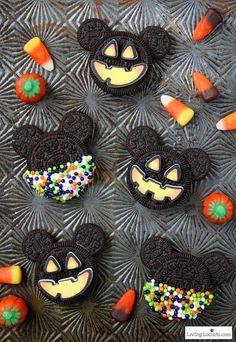 Halloween Donuts, Halloween Desserts, Comida De Halloween Ideas, Disney Halloween Parties, Halloween Cookie Recipes, Halloween Cookies Decorated, Hallowen Food, Halloween Treats For Kids, Halloween Baking