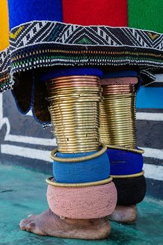 Lifestyle, Culture, Landscapes, Cityscapes, Wildlife & Travel – Detail of Beadwork of Ndebele Woman – Photo Tours