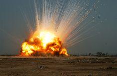 gpw-20050304-UnitedStatesArmy-061014-A-5493S-057-cache-unexploded-ordnance-detonated-near-Forward-Operating-Base-Falcon-Iraq-20061014-large.jpg (2000×1312)