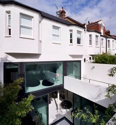 Andy Martin Architects' latest project, Mews 02, is a single family residence located in Belsize Park just northwest of London.