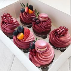 beautiful cupcakes - Birthday and Special Events Sweets & Cakes - Desserts - Dessert Recipes Delicious Desserts, Dessert Recipes, Yummy Food, Delicious Cupcakes, Picnic Recipes, Fancy Desserts, Baking Desserts, Dessert Food, Health Desserts