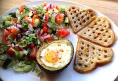 Bakt avokado med egg & lompe-vaffeltoast // Linda Stuhaug
