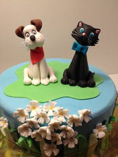 .....Like cats and dogs!!  Cake by danida