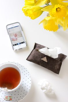 easy leather travel tissue pouch tutorial  // Delia Creates