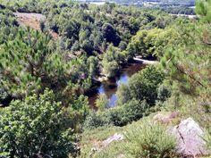 Cet endroit légendaire au plein cœur de la forêt de Brocéliande est le lieu ou la maléfique fée Morgane enfermait ses amants qui lui furent infidèles même en pensée. Mais le chevalier Lancelot du lac vint les délivrer en brisant l'enchantement.
