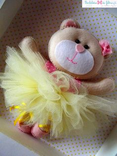 Felt teddy with tutu Baby Crafts, Felt Crafts, Fabric Crafts, Crafts For Kids, Arts And Crafts, Sewing Projects, Craft Projects, Operation Christmas Child, Felt Patterns
