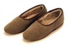 Sheepskin footwear has some very unusual qualities which makes it very different from any other footwear in the market. It has thermostatic properties which maintain the right temperature no matter what the season. Ladies Sheepskin Slippers, About Uk, Footwear, Flats, Winter, Shoes, Fashion, Loafers & Slip Ons, Winter Time