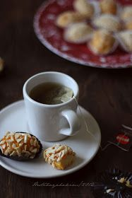 HESTI'S KITCHEN : yummy for your tummy: Kue Kurma Tea Etiquette, Kitchen Recipes, Tea Time, Cookie Recipes, Waffles, Food And Drink, Health Fitness, Pudding, Cookies