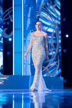 Miss Puerto Rico Shenti Lauren was sparkling on stage at the Miss America 2014 evening gown preliminary in this stellar Mac Duggal Pageant gown.