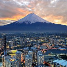 We love #Japan for its unique culture and breathtaking sites.  #ontheroad #ontheroadagain #travellife #travellifestyle #exploringtheworld #wanderlusting #travelingtheworld #travel #traveling #traveler #seetheworld#wanderlust #traveltheworld #bucketlist#traveljunkie #traveladdict