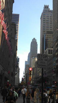 NY street Comic Book Artists, Comic Books, Art Reference, New York Skyline, Times Square, Comics, Street, Travel, Humberto Ramos