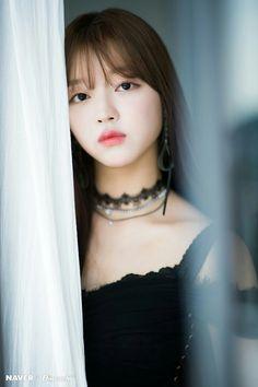 Yooa oh my girl Kpop Girl Groups, Korean Girl Groups, Kpop Girls, Oh My Girl Yooa, Every Girl, K Pop, Pretty Boys, Pretty Woman, Girls Channel