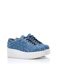 Are you looking for Karl Lagerfeld women's K/KREEPER LACE UP DENIM? Discover all the details on Karl.com. Fast delivery and secure payment.