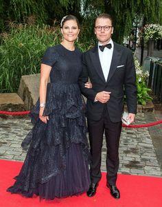 9 moments Princesse Héritière Victoria secoué une robe de gala   Royalista