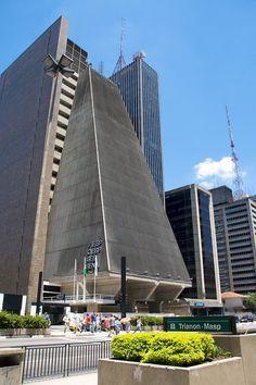 Torre da FIESP na Avenida Paulista, 1331. Fotos: Carolina Belem.