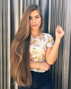 Searching hairstyles for long thick hair? Here is our pick of 8 easy hairstyles for long thick hair. Long To Short Hair, Long Brown Hair, Short Hair Styles, Thick Hair, Beautiful Long Hair, Gorgeous Hair, Silky Smooth Hair, Rapunzel Hair, Really Long Hair