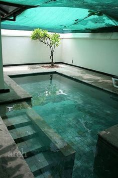 Everyone likes high-end swimming pool layouts, aren't they? Right here are some top checklist of high-end swimming pool image for your motivation. These dreamy swimming pool design suggestions will certainly transform your backyard into an exterior oasis. Indoor Swimming Pools, Swimming Pool Designs, Swiming Pool, Lap Swimming, Lap Pools, Future House, Piscina Interior, Luxury Pools, Luxury Spa
