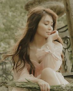 Kathryn Bernardo Photoshoot, Kathryn Bernardo Outfits, Filipina Actress, Filipina Beauty, Pre Debut Photoshoot, Photoshoot Ideas, Human Icon, Aesthetic Women, Daniel Padilla