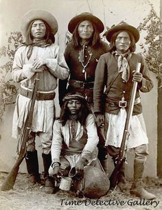 Apache scouts vintage photo arizona territory us army scouts apache wars - 20853 Native American Pictures, Native American Tribes, Native American History, American Indians, American Symbols, Navajo, Old West, Les Scouts, Apache Indian