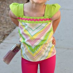Free pattern: Summer Chevrons Shirt for little girls