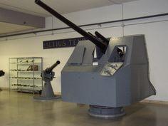 Cannone antiaereo da 65/64 mod. 39 con scudatura.
