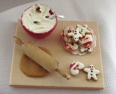 Galletas de Navidad en miniatura para casa de muñecas   -   Dollhouse Christmas cookies, miniature