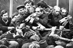 Фотоподборка: очереди и пустые прилавки в СССР