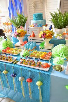 Fish themed party with great accessories! Would make a perfect Finding Dory themed party tablescape! Festa Party, Luau Party, Baby Party, Spongebob Birthday Party, Ocean Party, Shark Party, Little Mermaid Parties, Party Decoration, Babyshower