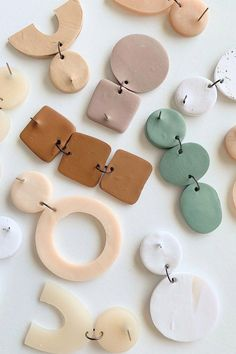 Handmade to order in Portland, Oregon. These earrings are simple, modern and beautiful. These Long Bead Bar earrings are so perfect for every day wear. They have a classic ear nut backing. Geode Jewelry, Ceramic Jewelry, Concrete Jewelry, Jewellery, Polymer Clay Crafts, Polymer Clay Jewelry, Diy Clay Earrings, Funky Earrings, Biscuit